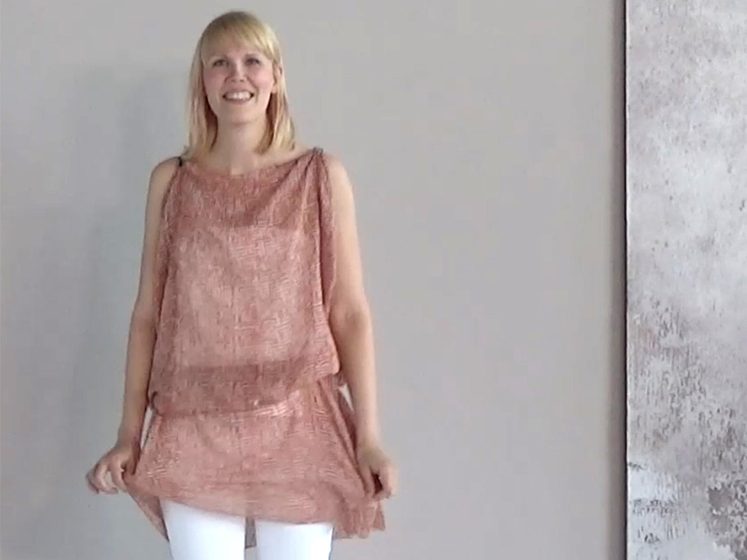 Onko bolero hihattoman mekon kanssa OUT? Mitä muita vaihtoehtoja on kuin bolero ja huivi, jos haluaa välillä olkapäät piiloon?
